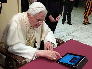 @Pontifex #coolestpopeever
